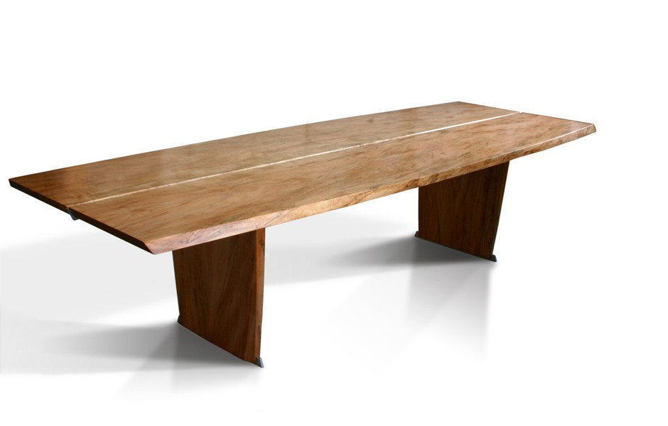 Incroyable Bowed Trestle Table